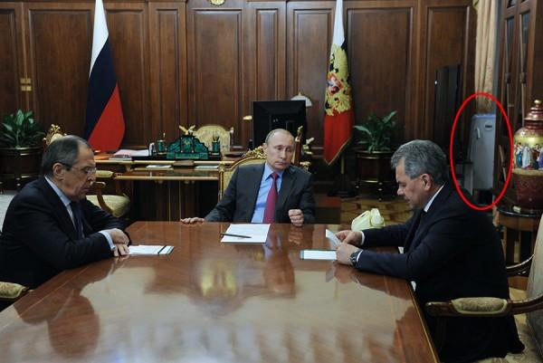 Putin, Lavrov, Šojgu i uređaj